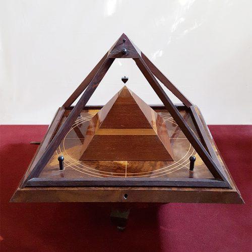 Peter Rintsch - small Pyramid