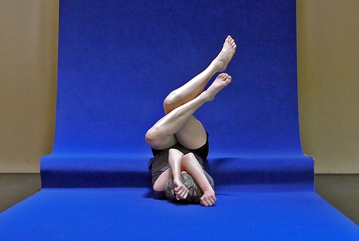 Isabelle Schad | 'KNOTTING' Dance Performance